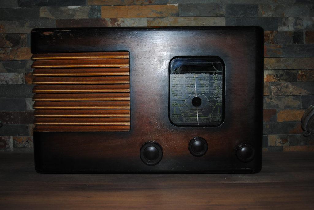 décoration vintage réception mariage tours 37 radio ancienne