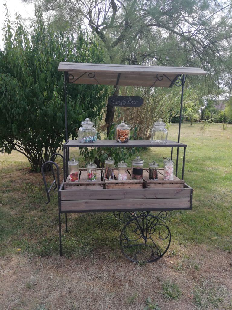 Location charrette présentoir bois métal candy bar accueil bar à jus