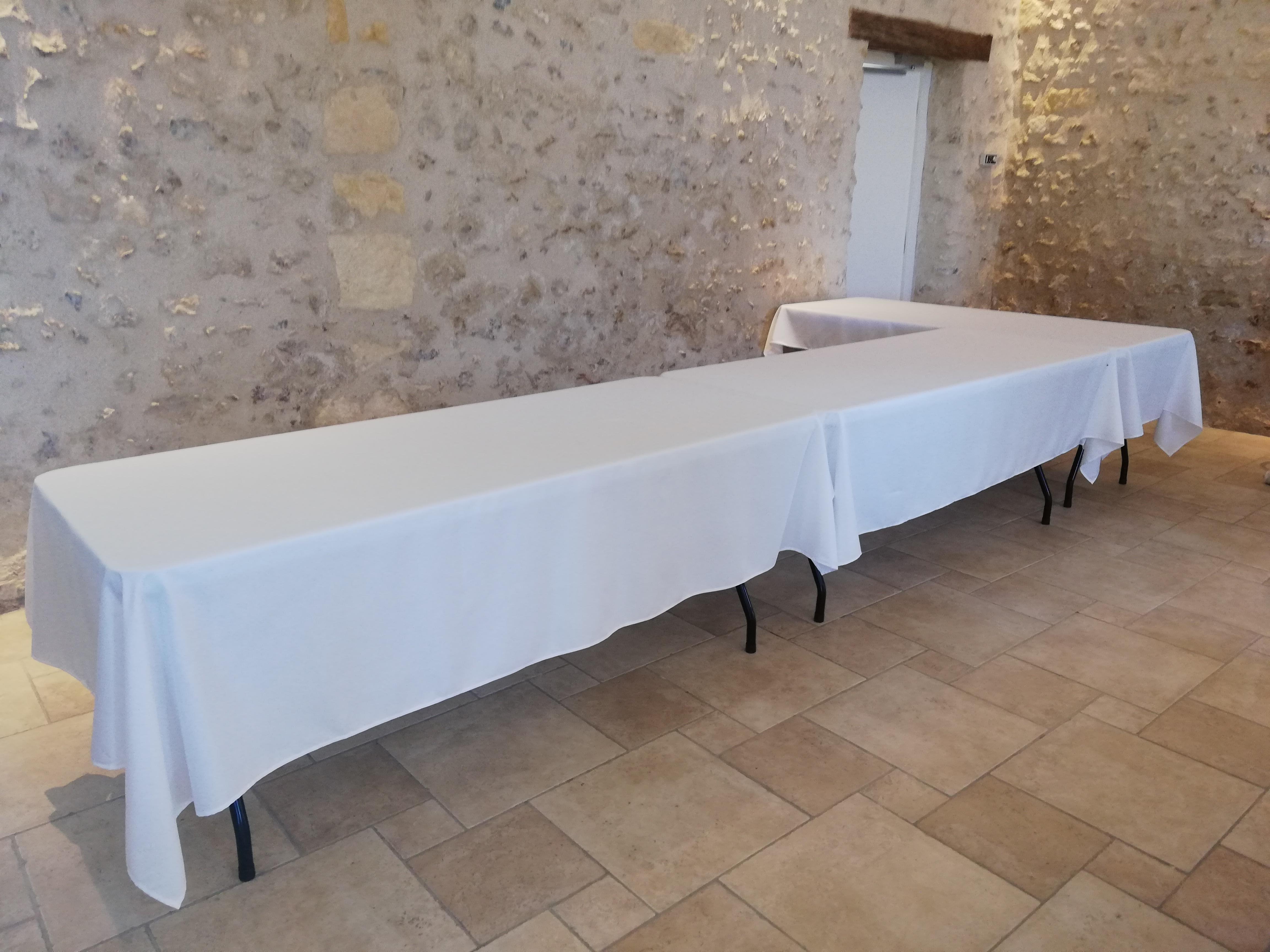 Location table rectangulaire 180x74 pour buffet, banquet, réception, cocktail, séminaire tours 37 indre et loire