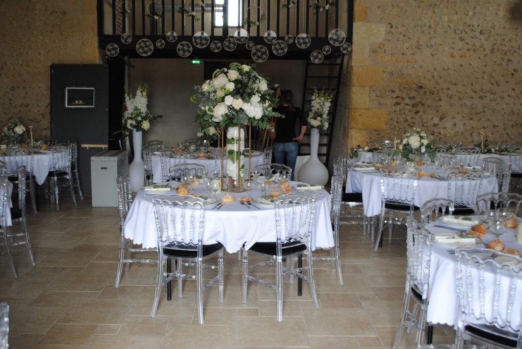 Location nappes rondes blanches pour tables 180 cm de diamètre