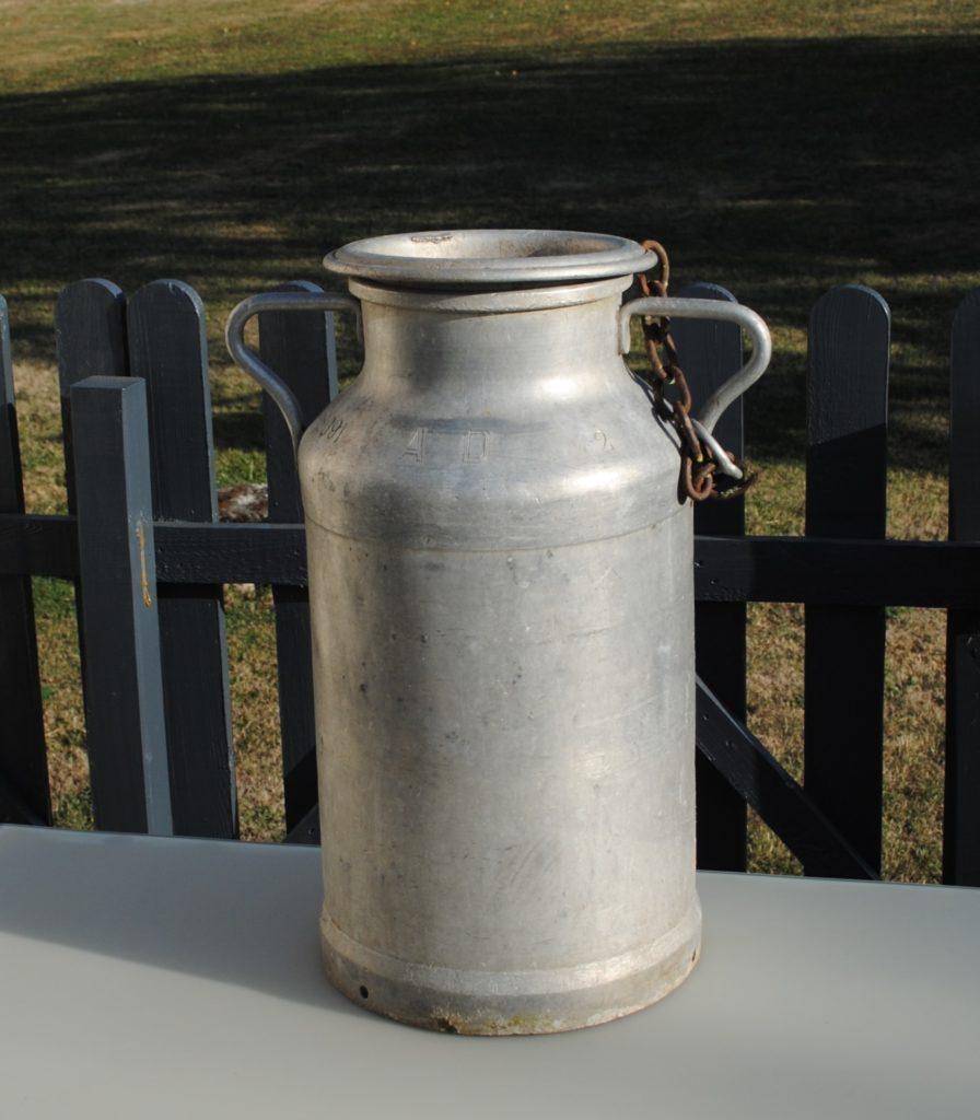 bidon à lait pour déco champêtre location 37 tours indre et loire 41 49 86 36 28 72