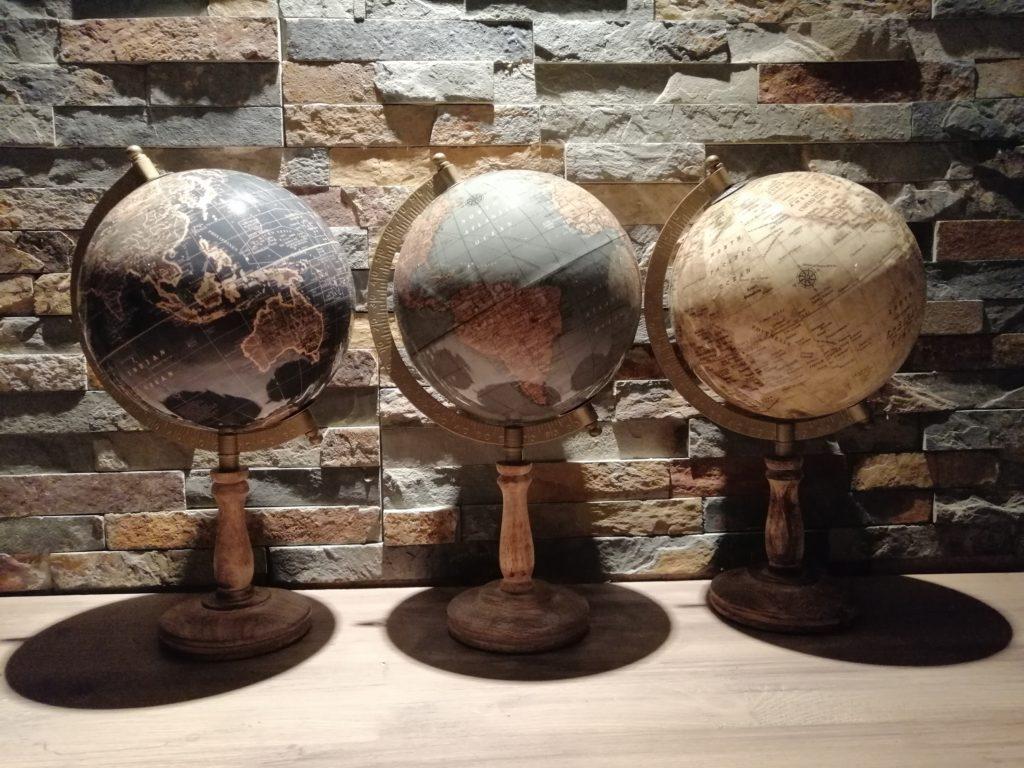 Globe terrestre vintage location de décorations Tours 37 indre et loire